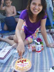 Mum Birthday - Potong Kue