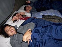 Toya Davasya - Di Dalam Tenda 1