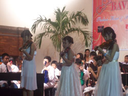 2009 Violin Concert - Aya In Action 1