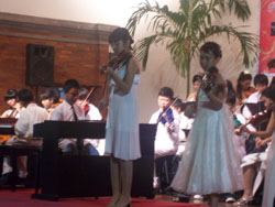 2009 Violin Concert - Aya In Action 2